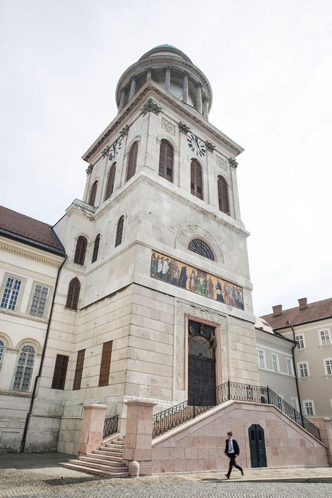 Tájékoztatás Hortobágyi T. Cirill főapát úr benedikálásáról